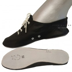 Jazz shoe in leather with drawstring white