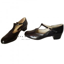 Woman's professional shoe for dance of tap dancing